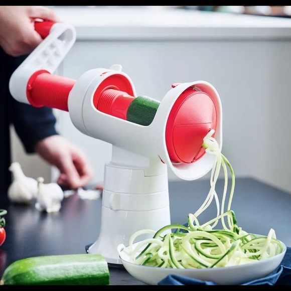 Tupperware Fusion Master Spiralizer With Base